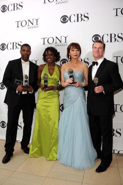 Halter Top「64th Annual Tony Awards - Media Room」:写真・画像(10)[壁紙.com]