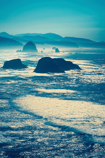 Cannon Beach「Winter storm west coast - Canon Beach Haystack Rock」:スマホ壁紙(14)