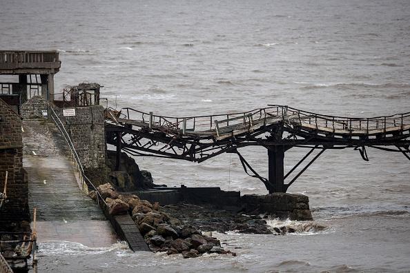 Weston-super-Mare「Weston-super-Mare's Derelict Birnbeck Pier To Be On The Verge Of Collapsing」:写真・画像(13)[壁紙.com]