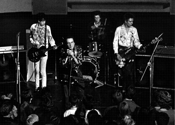 対決「Clash At The RCA」:写真・画像(1)[壁紙.com]