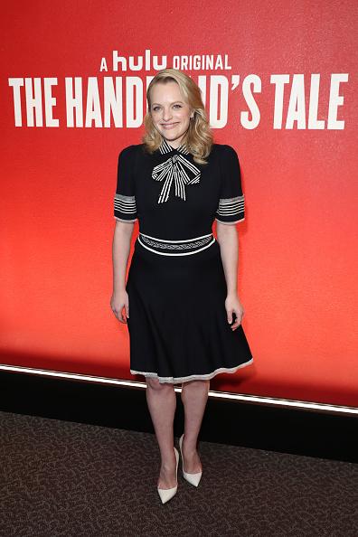 カメラ目線「FYC Event For Hulu's 'The Handmaid's Tale' - Arrivals」:写真・画像(6)[壁紙.com]