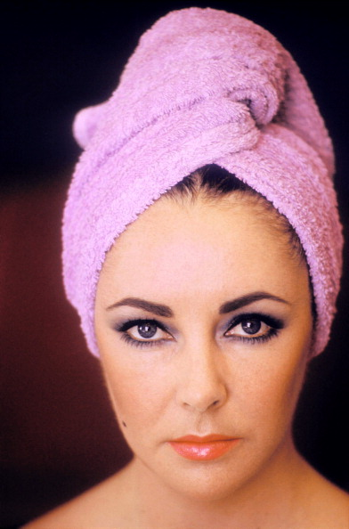 One Woman Only「Actress Elizabeth Taylor Poses...」:写真・画像(19)[壁紙.com]