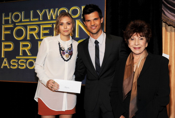 Elizabeth Olsen「Hollywood Foreign Press Association's 2011 Installation Luncheon - Presentation Of Grants」:写真・画像(9)[壁紙.com]