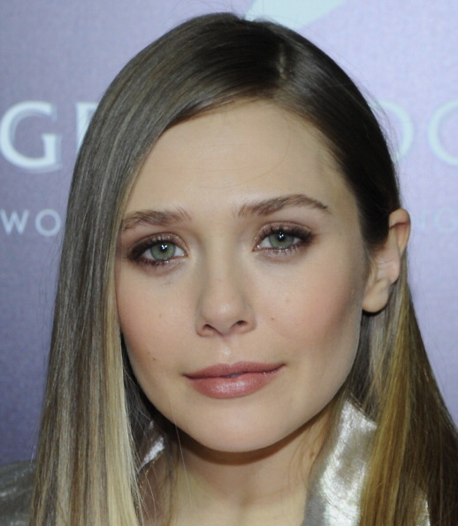 "Elizabeth Olsen「FilmDistrict And Complex Media With The Cinema Society And Grey Goose Host A Screening Of ""Oldboy"" - Arrivals」:写真・画像(13)[壁紙.com]"