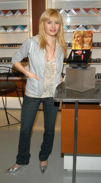 Spiked「Elisha Cuthbert In-Store Apprearance」:写真・画像(2)[壁紙.com]