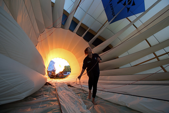 ヒューマンインタレスト「Balloonists Take To The Skies For The Bristol International Balloon Festival」:写真・画像(9)[壁紙.com]