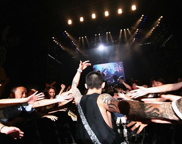 Projection Screen「Live 8 Japan - Stage」:写真・画像(8)[壁紙.com]