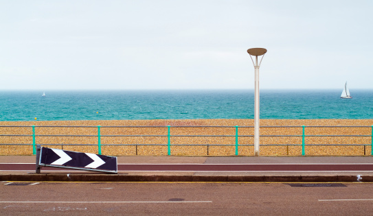 Brighton - England「Road alongside the beach, with sea in the background」:スマホ壁紙(14)
