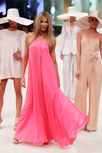 Halter Top「Myer Spring/Summer 2011 Fashion Launch」:写真・画像(2)[壁紙.com]
