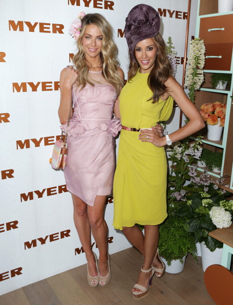Crown Oaks Day「Celebrities Attend Crown Oaks Day」:写真・画像(16)[壁紙.com]