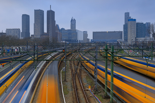Railway「trains leaving from and arriving at Den Haag Centraal Station, the main railway station in The Hague」:スマホ壁紙(10)