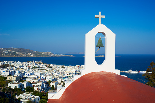 Aegean Sea「View of church and townscape, Chora, Mykonos, Greece」:スマホ壁紙(2)
