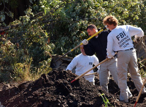Rake「Feds Dig Up New York Lot In Search Of Mob Victims Bodies」:写真・画像(7)[壁紙.com]