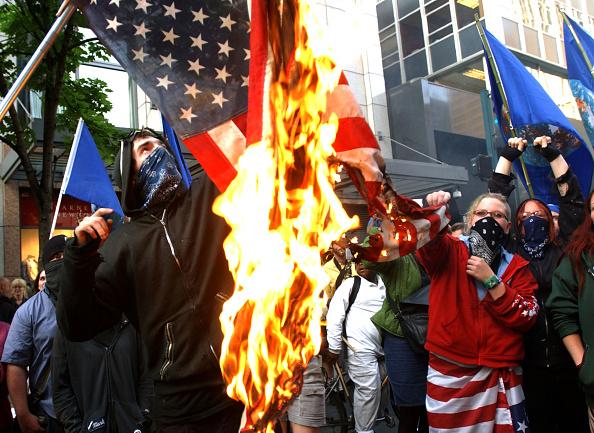 Burning「Demonstrators Protest At LEIU Conference」:写真・画像(15)[壁紙.com]
