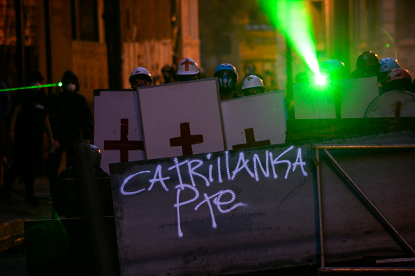 Putting Green「Protest Against Sebastian Piñera Amid First Anniversary of The Murder of Camilo Catrillanca」:写真・画像(14)[壁紙.com]