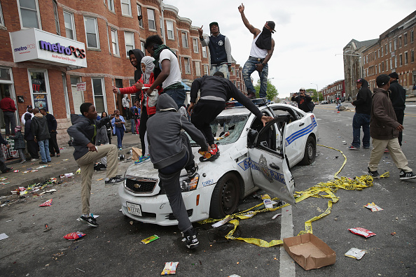 Crime「Protests in Baltimore After Funeral Held For Baltimore Man Who Died While In Police Custody」:写真・画像(9)[壁紙.com]