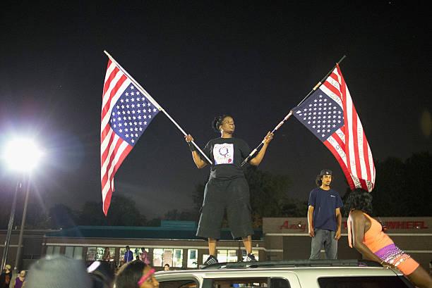 Ferguson, Missouri Marks One-Year Anniversary Of The Death Of Michael Brown:ニュース(壁紙.com)