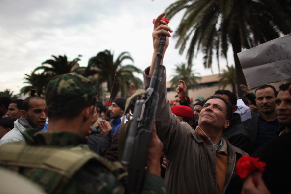 Tunisia「Demonstrations Continue In Tunisia As Calls Come For Dissolution Of Ruling Party」:写真・画像(18)[壁紙.com]