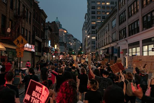 Prejudice「Protests Against Police Brutality Over Death Of George Floyd Continue In NYC」:写真・画像(18)[壁紙.com]
