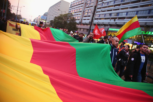 Sean Gallup「Expatriate Kurds Protest ISIS Terror As Kobani Battle Rages」:写真・画像(9)[壁紙.com]