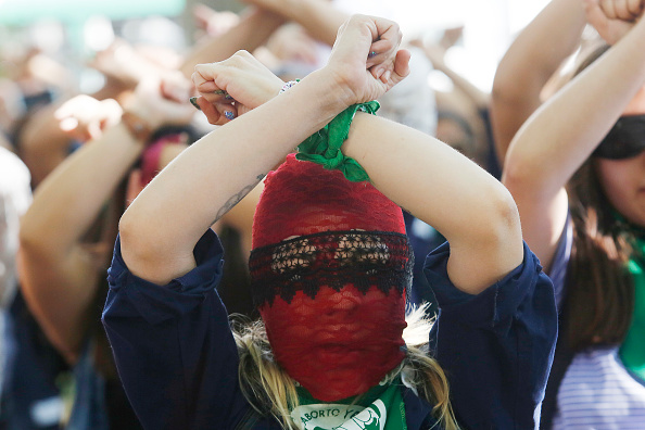 Women's Issues「Wealth Gap Fuels Anger In Chile」:写真・画像(16)[壁紙.com]