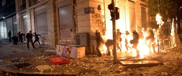 Crisis「Violence Erupts As Greece Decides On Euro Future」:写真・画像(17)[壁紙.com]