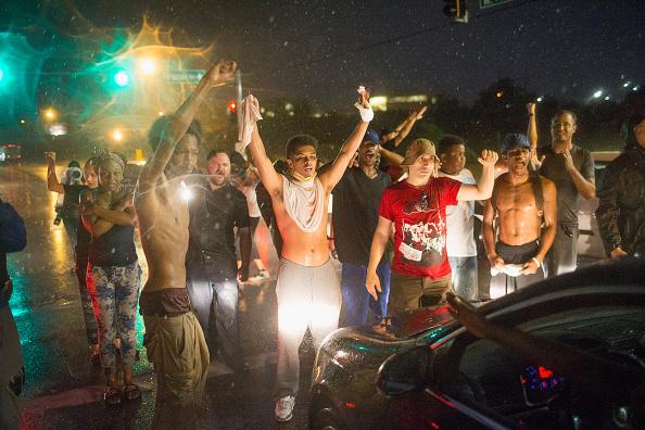 ミズーリ州「Ferguson, Missouri Marks One-Year Anniversary Of The Death Of Michael Brown」:写真・画像(19)[壁紙.com]