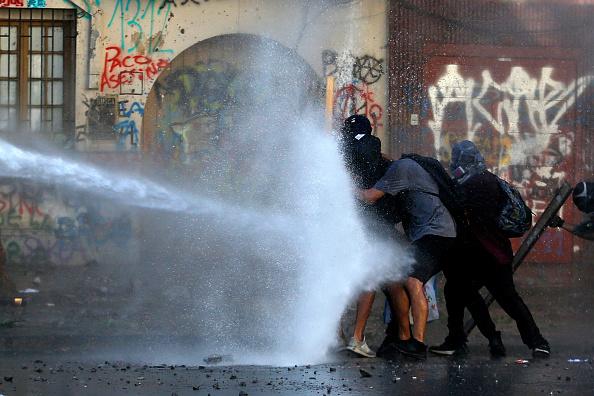 Santiago Metropolitan Region「Opposition Pressures President Piñera Over Alleged Rights Abuse」:写真・画像(5)[壁紙.com]