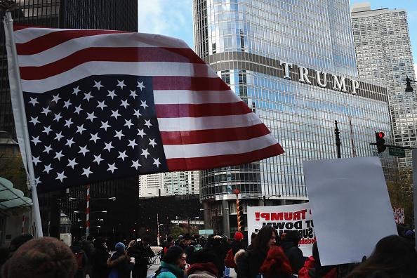 2016年アメリカ大統領選挙「Anti-Trump Protestors Rally In Chicago」:写真・画像(13)[壁紙.com]