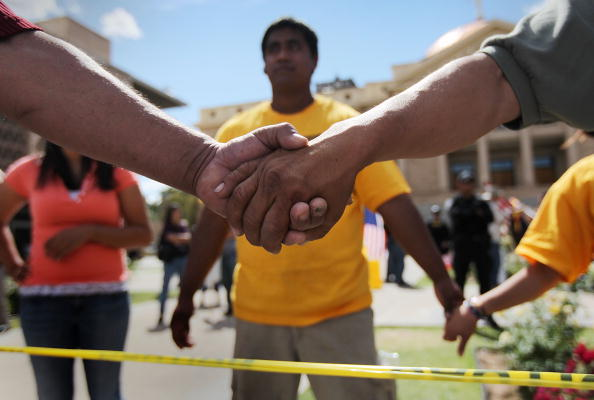 Social Justice - Concept「Arizona Governor Signs Contraversial Immigration Bill Into Law」:写真・画像(3)[壁紙.com]