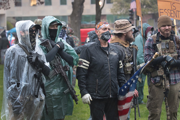Weapon「Protestors Rally At Michigan State Capitol Against Shelter-In-Place Orders」:写真・画像(2)[壁紙.com]