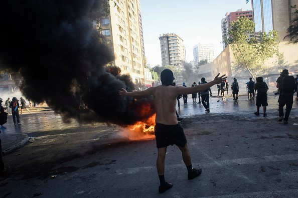 State of Emergency「Protests Continue After Piñera Insisted On Bringing Military To The Streets」:写真・画像(10)[壁紙.com]