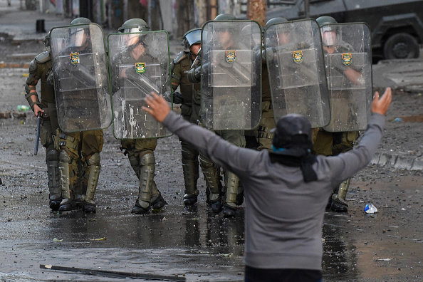 State of Emergency「Protests Continue After Piñera Insisted On Bringing Military To The Streets」:写真・画像(15)[壁紙.com]
