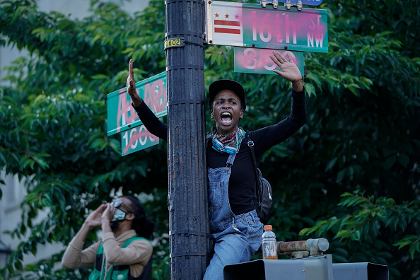 Racial Tensions「Protesters Demonstrate In D.C. Against Death Of George Floyd By Police Officer In Minneapolis」:写真・画像(9)[壁紙.com]