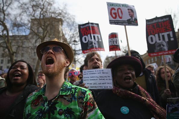 Politics and Government「Tax Loophole Protest Held Outside Downing Street After Panama Revelations」:写真・画像(4)[壁紙.com]