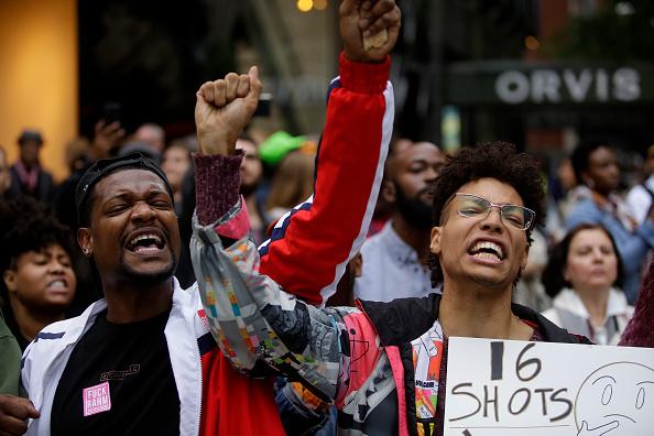 Black Lives Matter「Chicago Police Officer Jason Van Dyke Guilty Of Second Degree Murder In Shooting Of Laquan McDonald」:写真・画像(16)[壁紙.com]