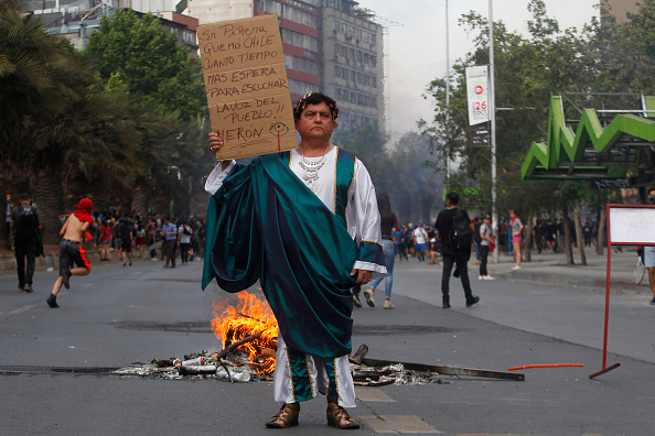Marcelo Hernandez「Ongoing Protests In Chile」:写真・画像(18)[壁紙.com]