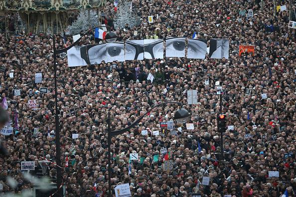 Topics「Mass Unity Rally Held In Paris Following Recent Terrorist Attacks」:写真・画像(17)[壁紙.com]