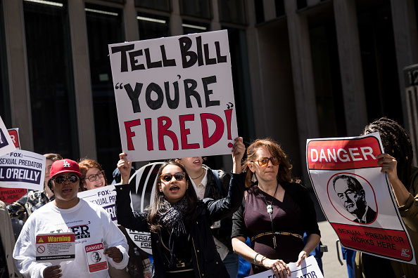 Fox Photos「Protestors Call For Removal Of Bill O'Reilly At Fox News HQ In New York」:写真・画像(18)[壁紙.com]
