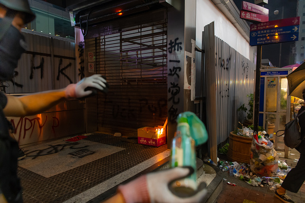 Mong Kok「Anti-Government Protests Continue in Hong Kong」:写真・画像(14)[壁紙.com]