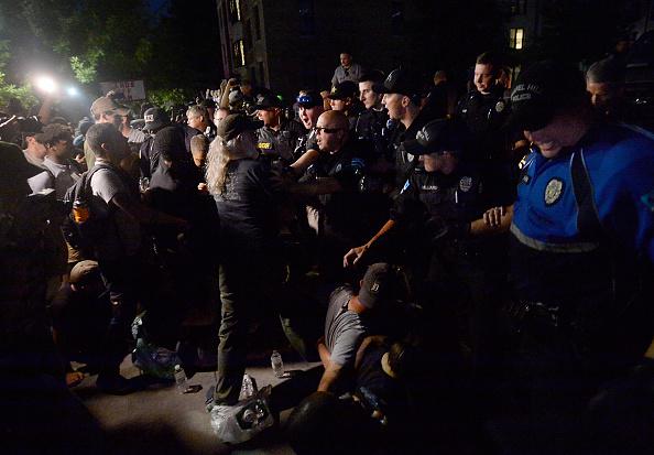 像「Rally Protesting UNC's Confederate Era Monument 'Silent Sam' Held On Campus」:写真・画像(5)[壁紙.com]