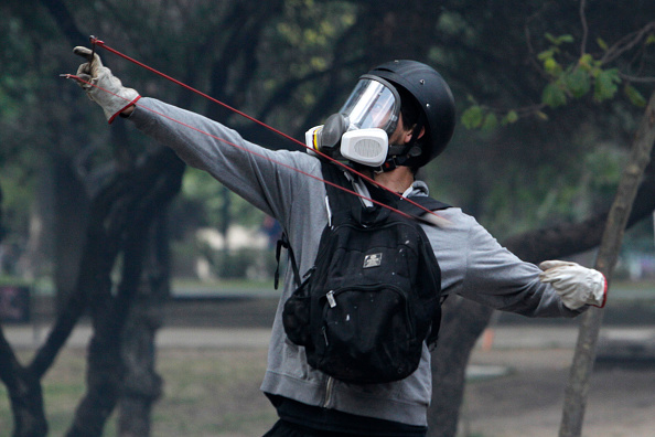 State of Emergency「Protests Continue As Lawmakers Negotiate Reforms Proposed By Piñera」:写真・画像(3)[壁紙.com]