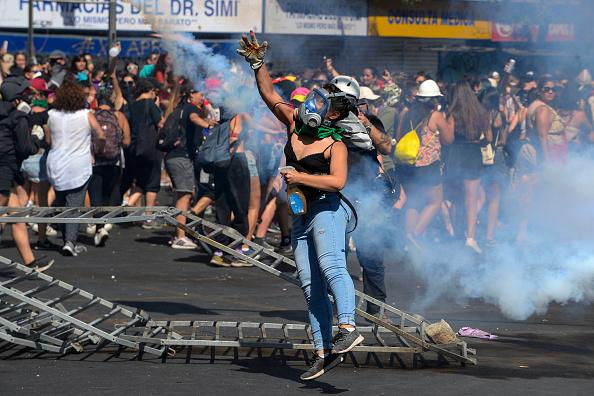 Santiago Metropolitan Region「International Women's Day Demonstrations In Santiago」:写真・画像(16)[壁紙.com]