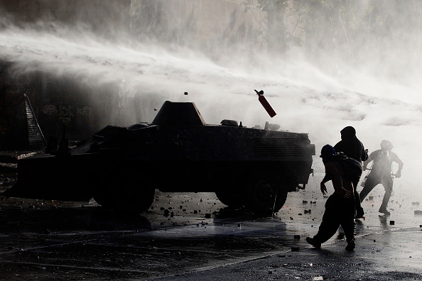 State of Emergency「Protests Continue After Piñera Insisted On Bringing Military To The Streets」:写真・画像(13)[壁紙.com]