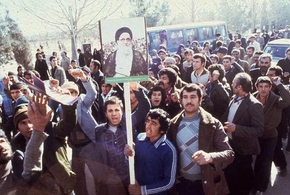 Protestor「Teheran Protest」:写真・画像(17)[壁紙.com]