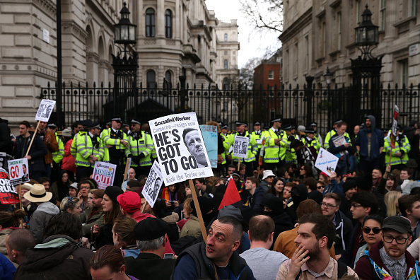 Politics and Government「Tax Loophole Protest Held Outside Downing Street After Panama Revelations」:写真・画像(6)[壁紙.com]