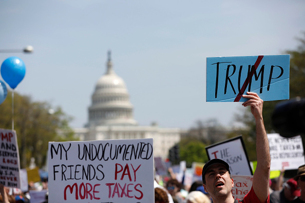 Aaron P「Tax Day Activists Hold Marches In Major U.S. Cities」:写真・画像(2)[壁紙.com]