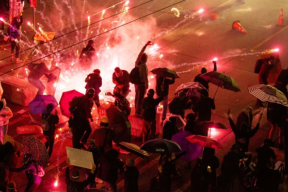 Protestor「Suspect In Custody After Driving Into Protest And Shooting One In Seattle」:写真・画像(13)[壁紙.com]