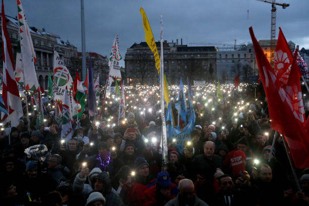 Budapest Overtime-Law Protests Continue Into New Year:ニュース(壁紙.com)