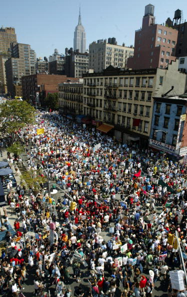 7th Avenue「Protestors Begin Demonstrating On Eve Of RNC Convention」:写真・画像(13)[壁紙.com]